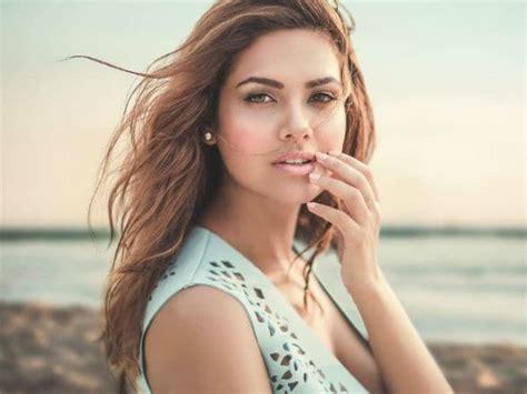 actress name of commando 2 esha gupta is doing commando 2 not playing negative role