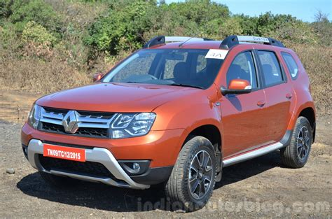 2016 renault duster facelift amt front three quarter