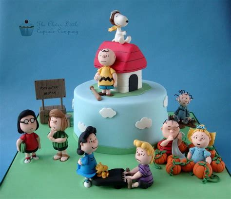 peanuts characters decorations 17 best ideas about peanuts characters on