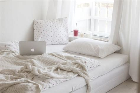 white tumblr bedroom this is so perfect ah tumblr bedroom love new room