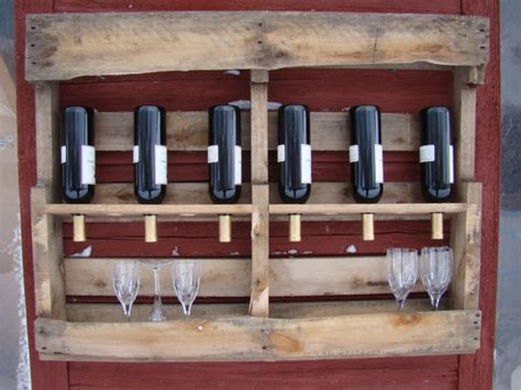 How To Make A Pallet Wine Rack by Creative Things To Make On Recycled Pallets Recycling Center