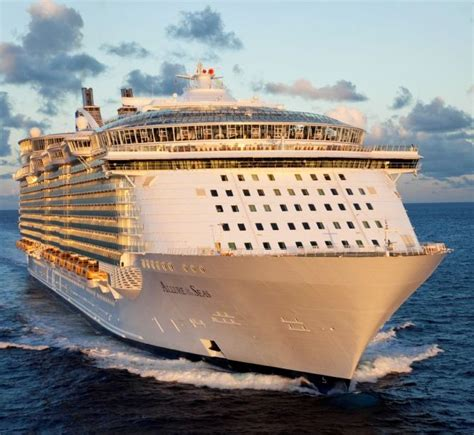 largest cruise line 28 body inside the largest cruise ship punchaos com