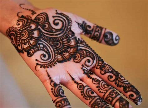 simple and adorable arabic henna designs step by step images pictures 32 simple mehndi designs for beginners step by step