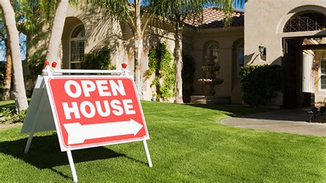 how to hold a successful open house