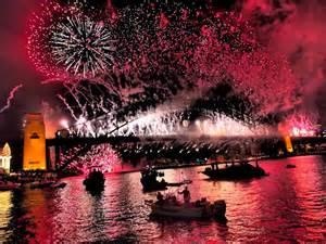 new year fireworks sydney 2014 sydney harbour bridge fireworks abc news australian