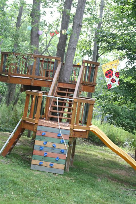 backyard treehouse for kids amazing backyard treehouse and how it was built be a