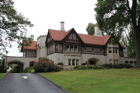 English Cottage Style Homes File Callanwolde Mansion Atlanta Ga 2012 Jpg Wikimedia