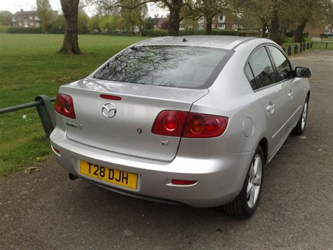 mazda saloon cars 2004 mazda mazda 3 saloon pictures information and