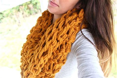arm knitting infinity scarf pattern 32 easy crochet infinity scarf ideas diy to make