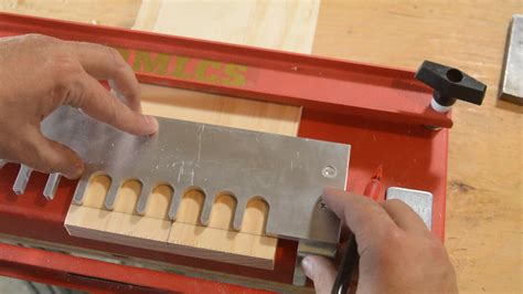 dovetail jig template the mlcs dovetail jig how to use it