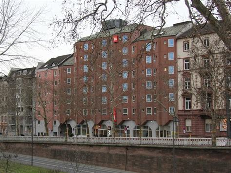 frankfurt centrum вид с набережной майна picture of ibis frankfurt centrum