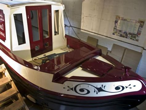 narrow bow of a boat 1000 images about house boats barges on pinterest