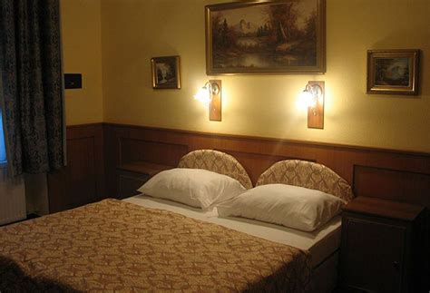 swing city hotel budapest hotel swing city in budapest starting at 163 12 destinia