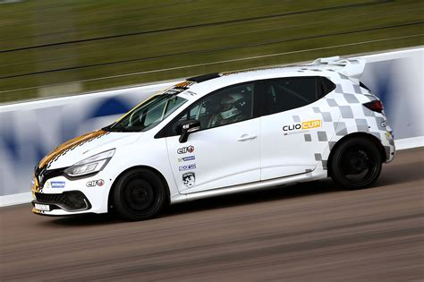 Renault Clio Cup by Renault Clio Cup Junior 2017 Review By Car Magazine