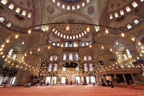 moschea istanbul interno interno moschea viaggi vacanze e turismo turisti