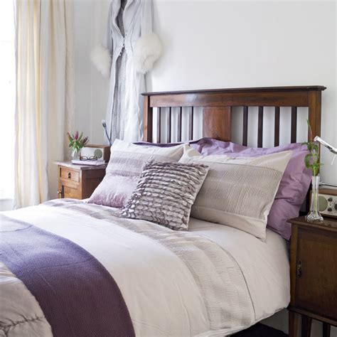 White And Purple Bedroom | purple and white bedroom combination ideas