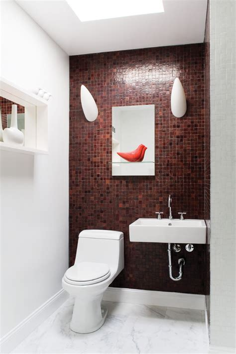 Decorative Towels For Powder Room by Smart Ways To Decorate Your Small Bathroom
