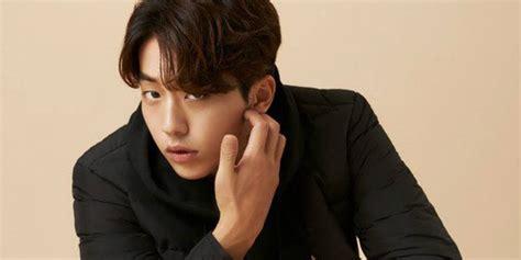 biography nam joo hyuk le coq sportif officially announces nam joo hyuk as new