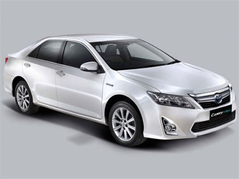 Toyota Camry Price In India Toyota Camry Hybrid Launched In India Price 29 75 Lakhs
