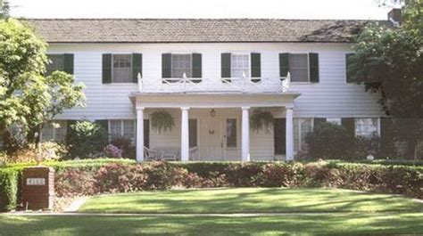 famous movie houses famous movie houses 13 pics izismile com