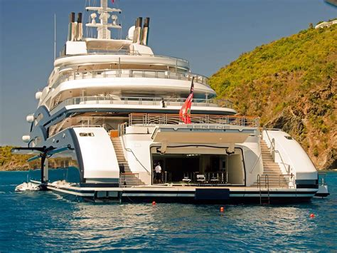 stern boat information serene yacht caribbean the stern of serene is wider than