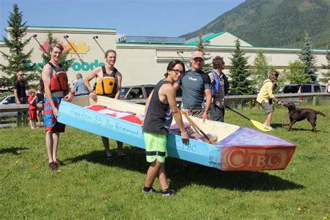 linlithgow cardboard boat race 2018 cardboard boat race
