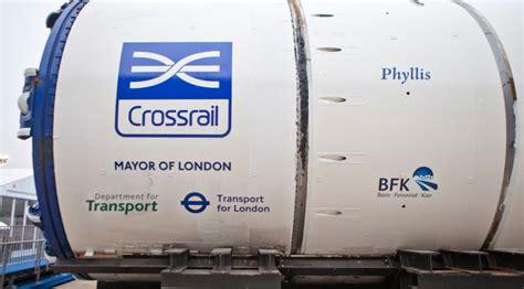 crossrail construction site hoardings undergo a make over crossrail western tunnels royal oak to farringdon
