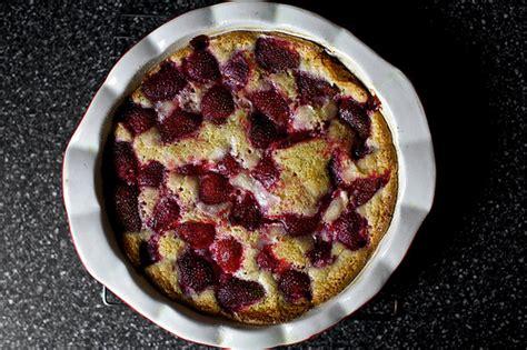strawberry summer cake smitten kitchen