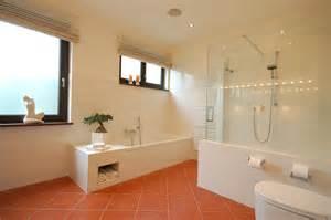 badezimmer dusche badewanne fishzero dusche nische licht verschiedene design