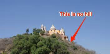Worlds Largest Chandelier World S Largest Pyramid Isn T In Business Insider