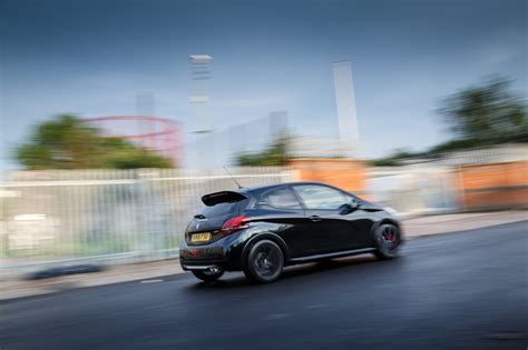peugeot 208 gti 2016 2016 peugeot 208 gti by peugeot sport review