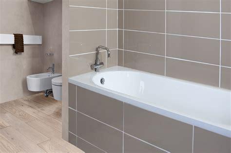 changer le joint silicone d une baignoire diy family