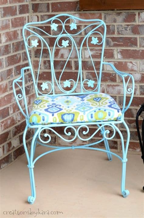 transform rusty metal patio furniture