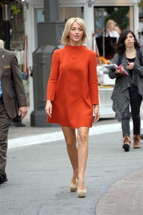 what shoes does julianne hough wear in safe haven julianne hough day dress julianne hough looks stylebistro