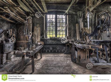 werkstatt alt tischlerwerkstatt in gammelstilla schweden stockfoto