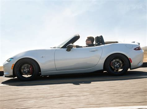 miata dealership 2017 mazda mx 5 miata starts rolling into dealer lots