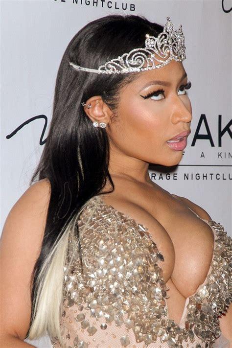 Nicki Minaj Hairstyle by Nicki Minaj Black Dip Dyed Side Part Two Tone