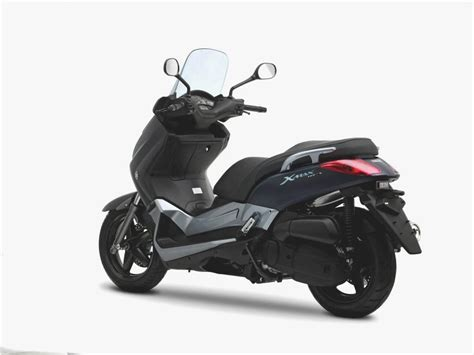 Evolis Emblem Xmax 250 test scooter yamaha x max 400 motorcycles catalog with specifications pictures ratings