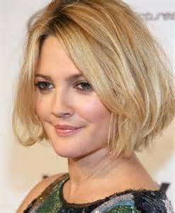 25 stunning medium hairstyles for round faces