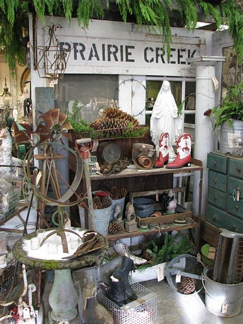 xmas antique booths 1000 images about great booth shop staging on booth displays vintage marketplace