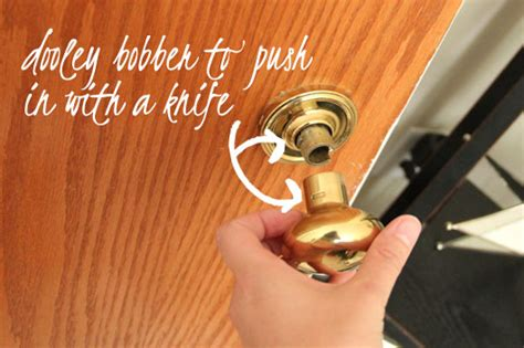 How To Remove A Door Knob by How To Spray Paint Door Knobs And Not Get Bruises Spray