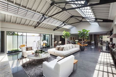 Art Deco Dining Room Set old warehouse in london turned into posh urban penthouse