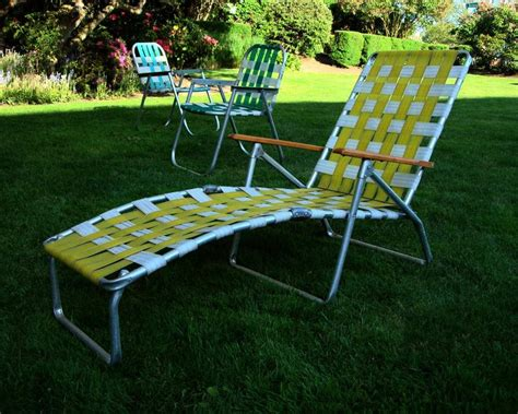 Lounge Lawn Chairs by Mid Century Aluminum Chaise Lounge Folding Lawn Chair Aluminum