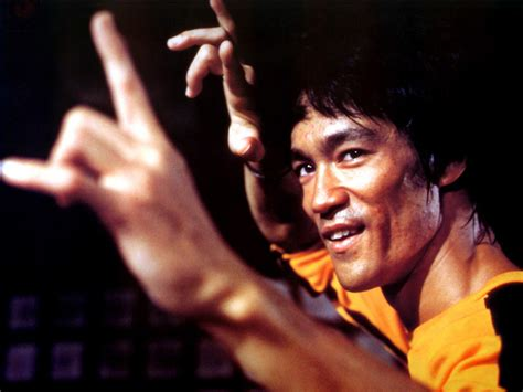 bruce lee life biography bruce lee biography chinese martial arts actor