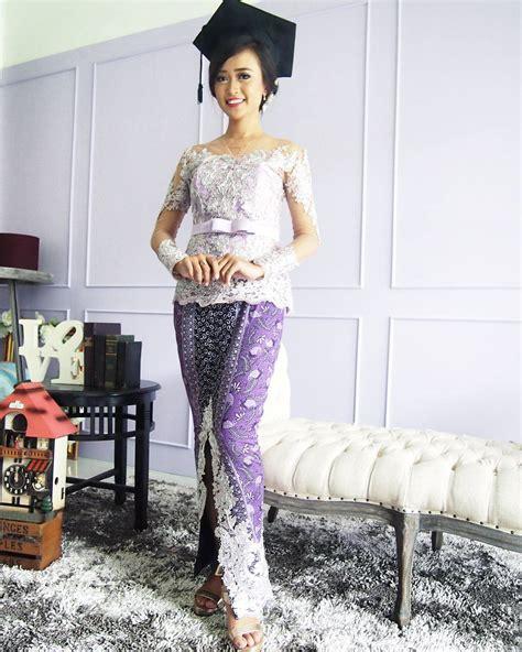 Kebaya Bali Modern Modifikasi Wisuda Wedding 10 model kebaya modern wisudawati jpg 1080 215 1350 http www kebayamodern info 2016 04 model