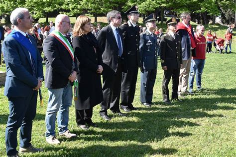 nel giardino nessuno sa testo livorno il 171 giardino della memoria 187 per le vittime