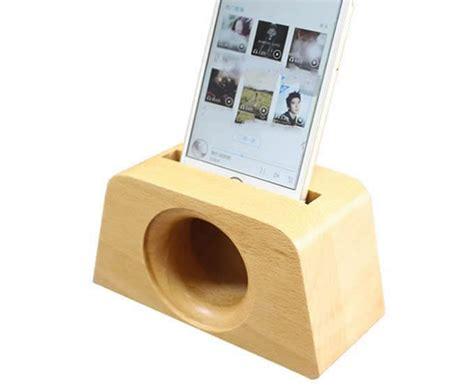 wooden speaker sound amplifier stand dock  smartphone feelgift