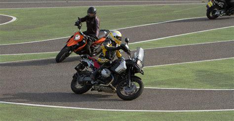 Motorradfahren Lernen Bremsen by Aktiv Motorrad Fahrtechnik