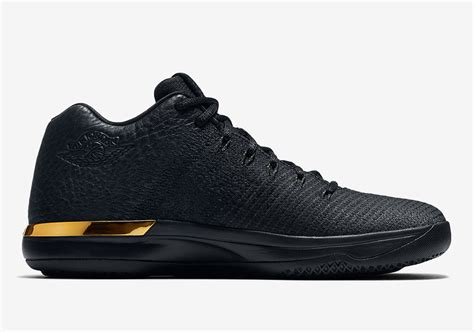 air xxxi low quot black and gold quot air shoes hq