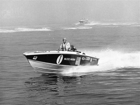 cigarette open fisherman boats for sale charlie mccarthy s banana boat co history of the 28 footer